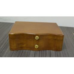Шкатулка для бижутерии деревянная